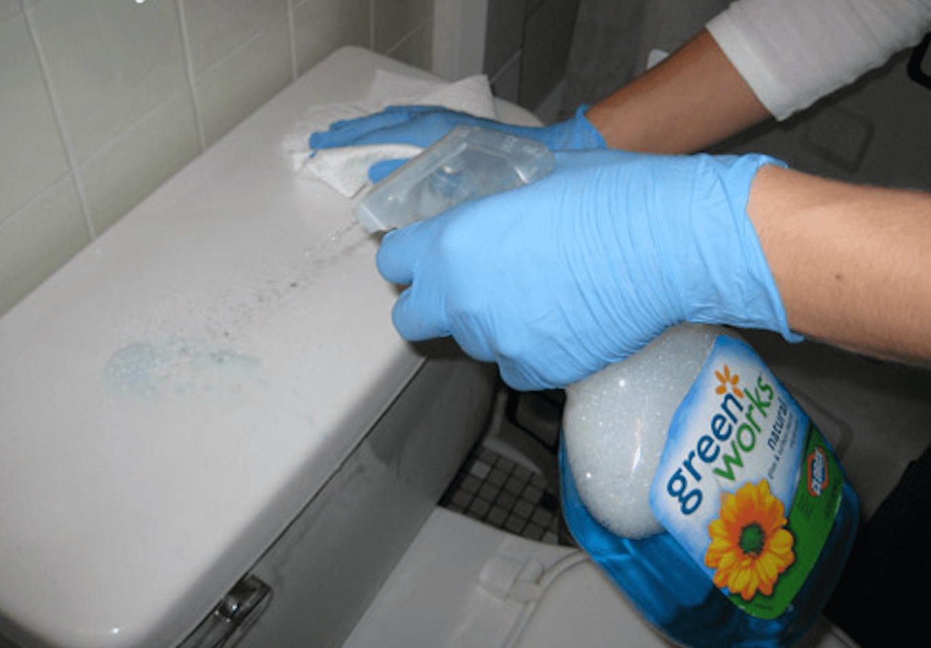 How to Clean your toilet - cleaning